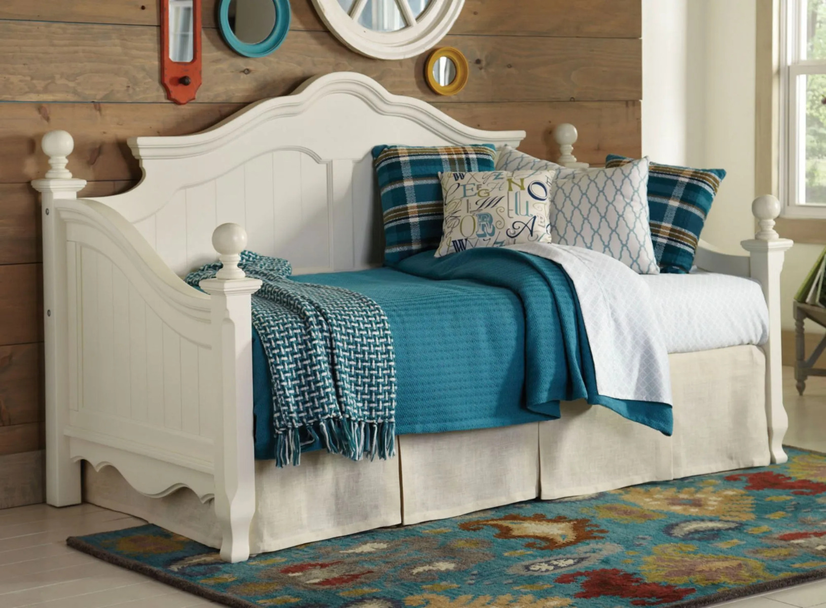 Largo Felicity Daybed with Free Mattress